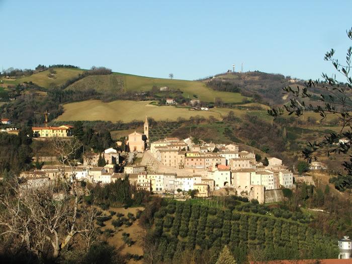House - Flat in hamlet Cartoceto