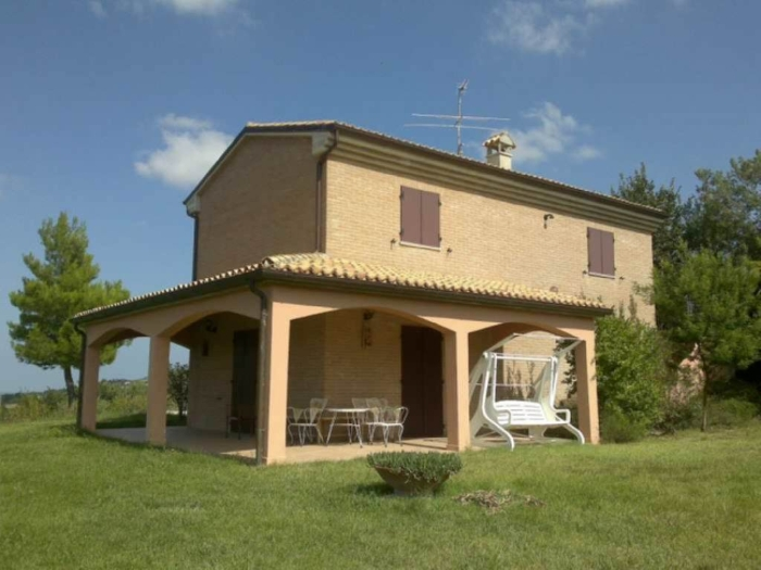 Country house property Montemaggiore al Metauro