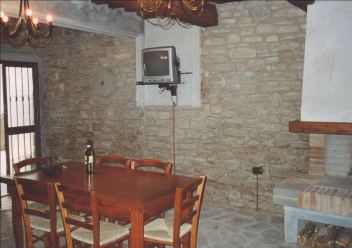 House - Flat in hamlet Cantiano